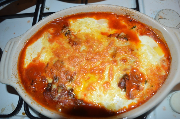 Baked eggs with spinach andchorizo