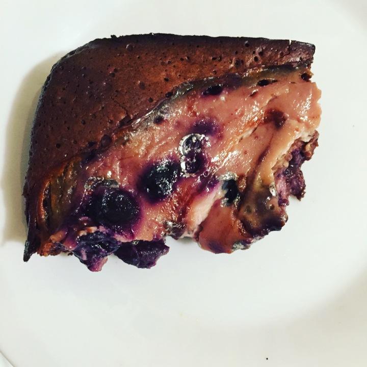 Blueberry yogurt swirl brownies (dairy and glutenfree!)