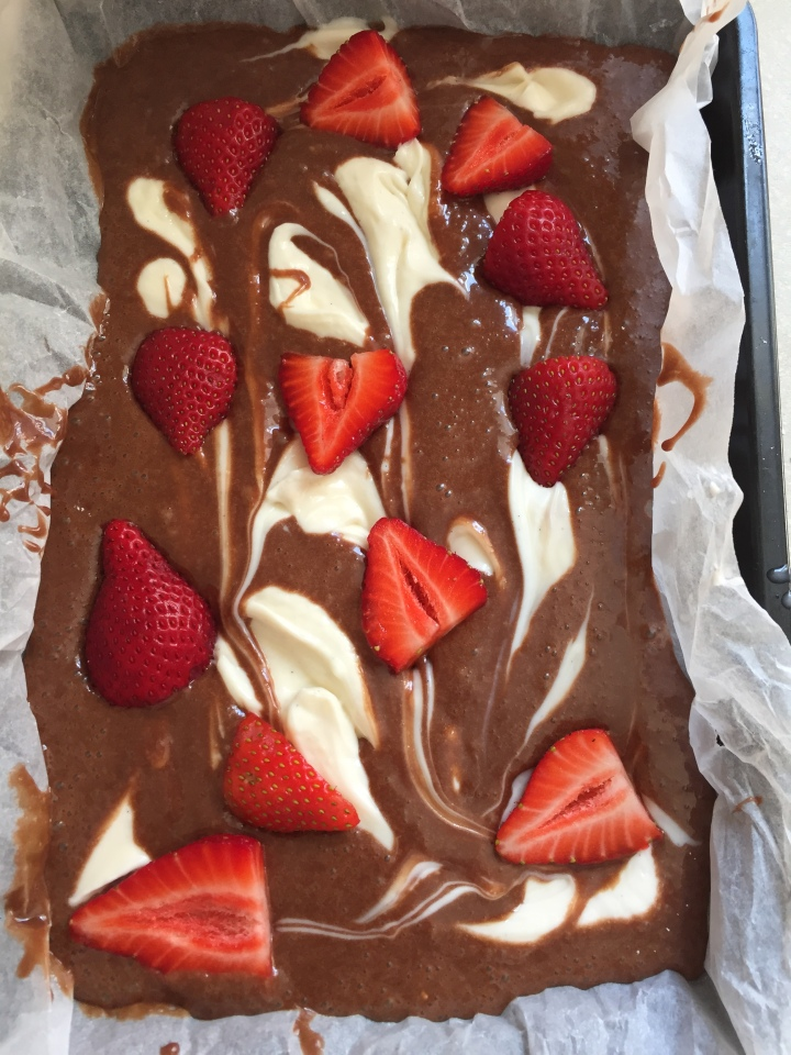 Strawberry and mascarpone brownies